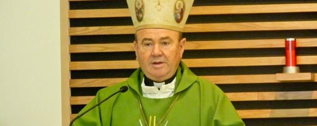Visita del  señor Arzobispo y del Deán del Cabildo a nuestra parroquia.